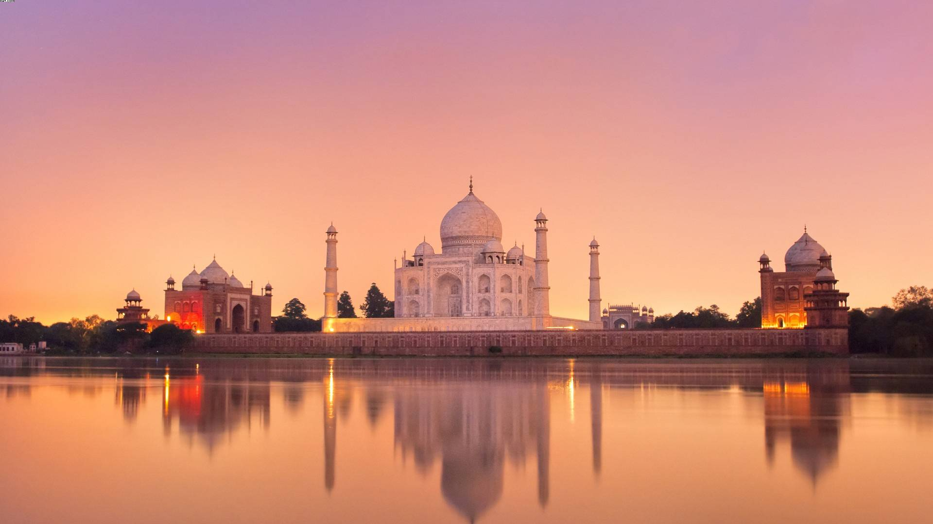Taj-Mahal-Yamuna