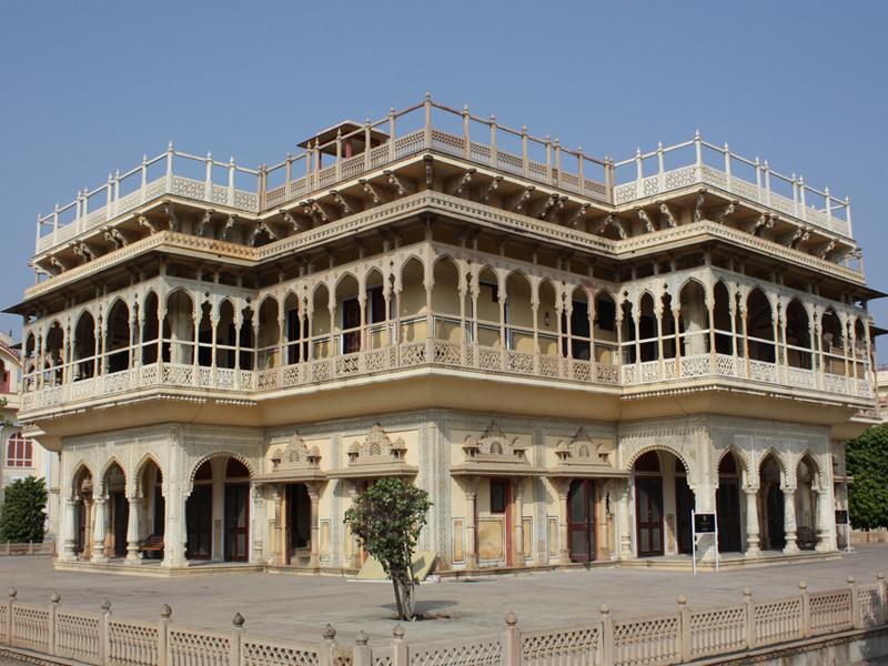 Mubarak-Mahal-IML-Travel-800x600