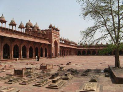 fatehpur-sikri-IML_travel-800x600