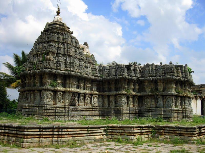 Hoysala-temples-IML-travel-compressor