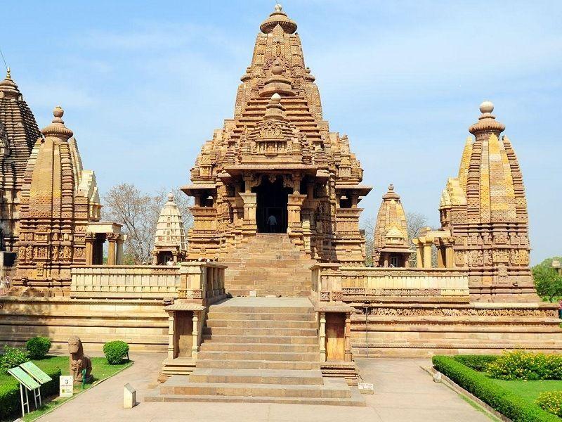 Lakshmana-temple-IML-Travel-compressor