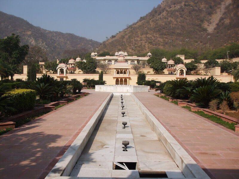 sidodia-rani-garden-jaipur-IML-Travel