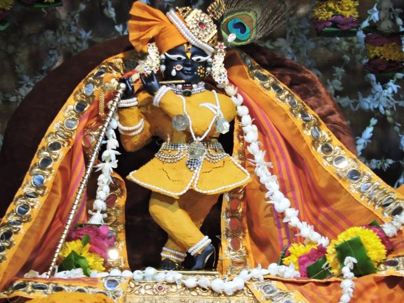 Bankey-Bihari-Temple-Vrindavan-IML-Travel