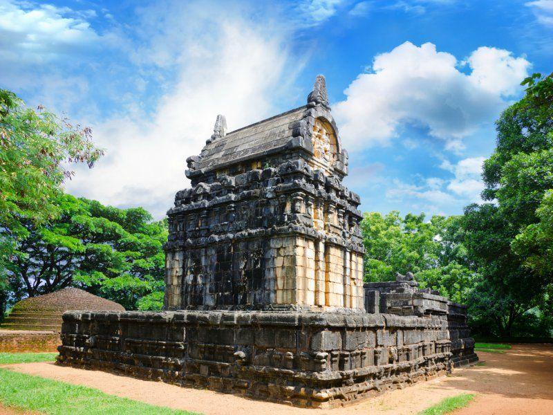 Nalanda-Gedige-IML-Travel
