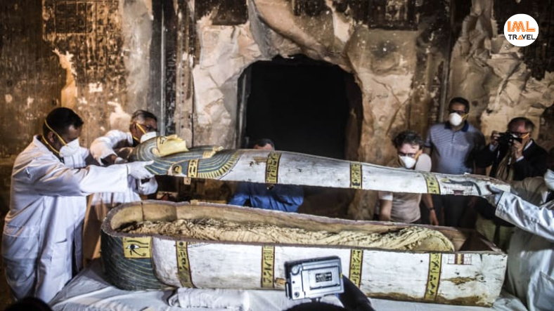 Mummies Discovered in Aswan IML Travel (4)