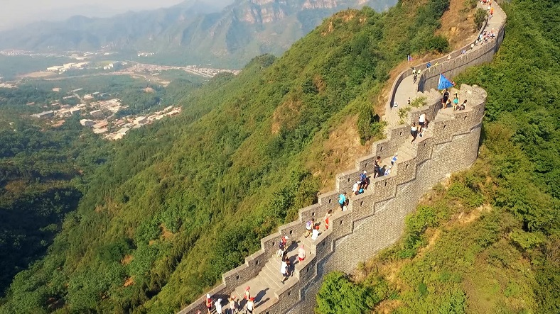 guide-on-great-wall-of-china